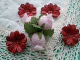 約2.5c 日本製 アカ色のヌメ皮 花柄モチーフ 4個入り