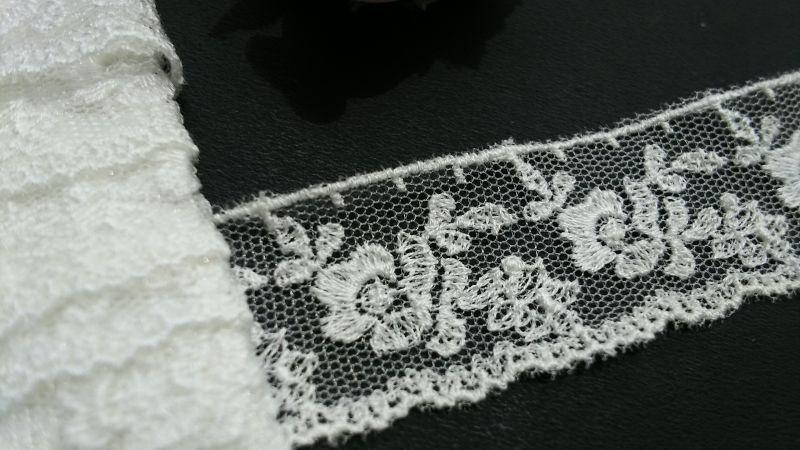 画像1: ハンパ物処分!メッチャ繊細な花柄 オフシロの高級チュール  2.5M