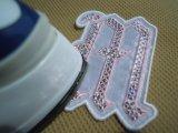 スパンブルト-ン!ホットフィックスのイニシャルモチーフ M ピンク