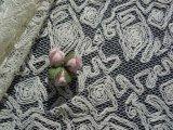 オフシロのエレガントな花柄の広幅高級チュールレース 0.7M