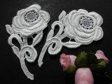 メッチャエレガントな花柄 人気のコットン・ケミカルのアップリケレース 2枚