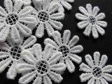 メッチャ可愛い花柄 人気のコットン・ケミカルのアップリケレース 25枚