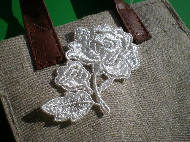 画像1: 薔薇柄のケミカル・モチーフレース 1枚