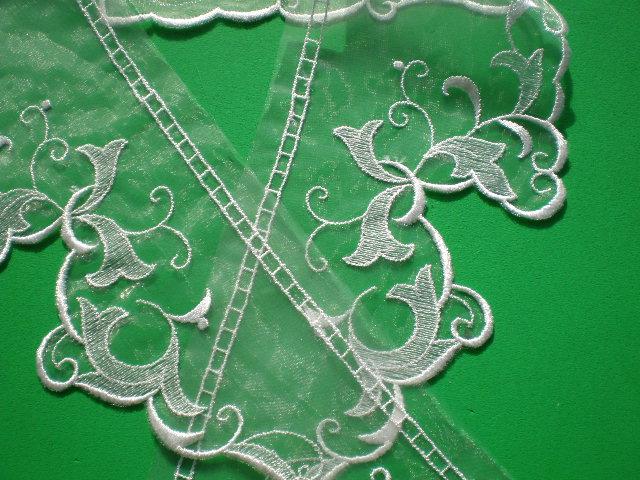 画像1: テーラー衿 オフシロのエレガントなオーガンジの襟レース