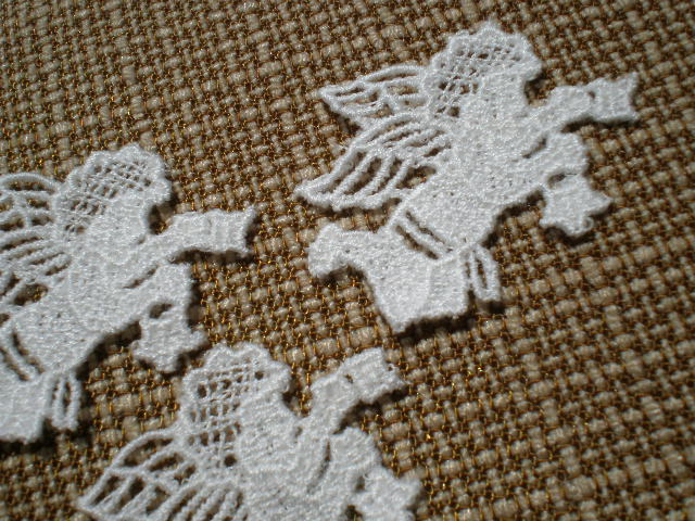画像1: 幸福を呼ぶ3人のエンジェル達!? 繊細な綿モチーフレース 3枚