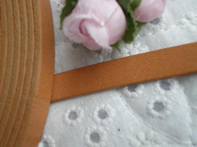 画像1: 幅約1C 日本製 ベージュ色のヌメ皮 1M