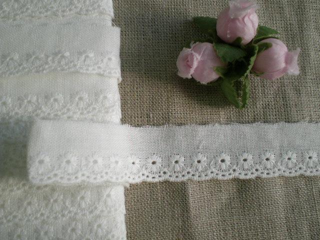 画像1: オリジナル・ダブルガーゼの花柄の綿レース 13M
