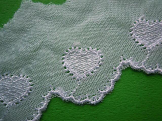 画像1: 人気のハート柄 シロの綿ボイルレース 4M