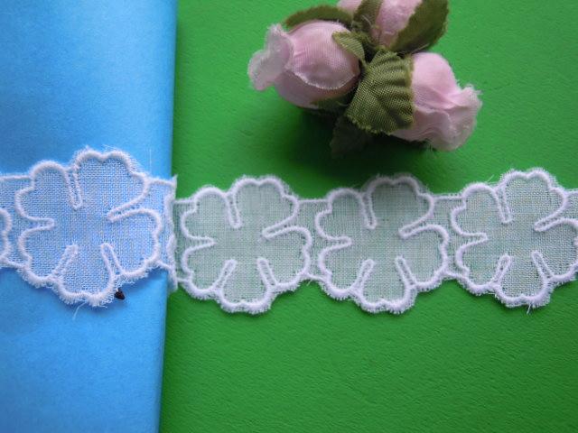 画像2: 人気の花柄 シロの綿アップリケレース 13M