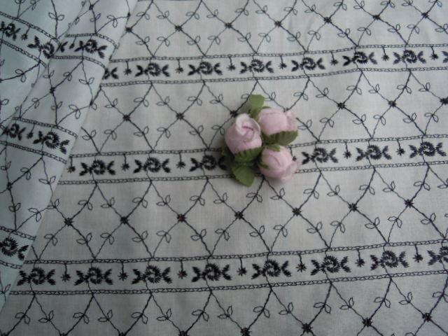 画像2: とてもキュートな薔薇柄のストライプ柄 綿広幅レース 1M.