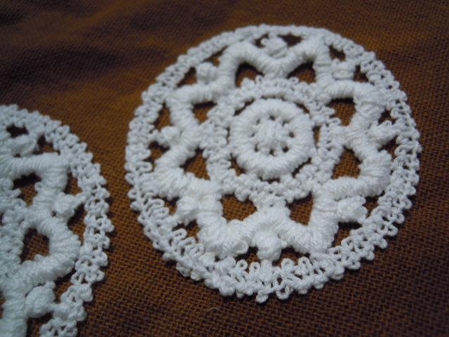 画像2: お買い得なエレガントな綿のコースターレース 2枚