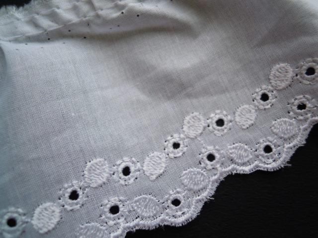 画像2: 幅約7.5c  光沢感のあるシロのエレガントな綿フリル 2.5M