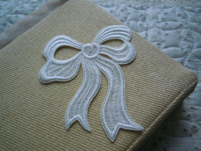 画像1: 繊細なリボン柄の綿ケミカル・モチーフレース 1枚入り