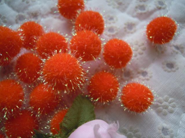 画像1: 直径約10ミリ たっぷり30個入り キラキラボンテン オレンジ