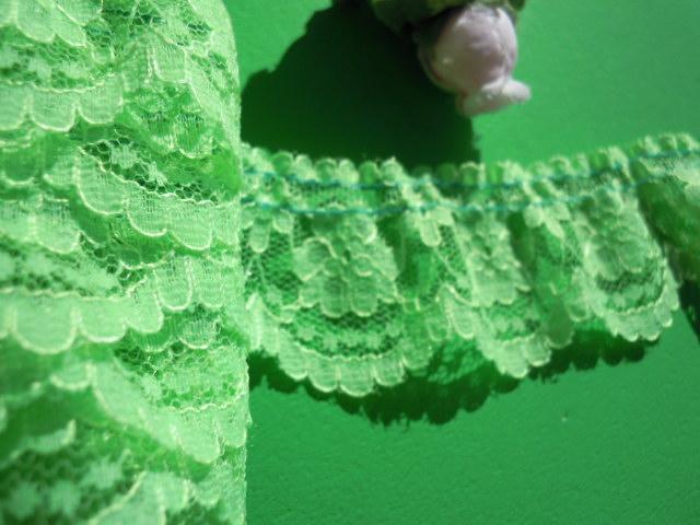 画像1: 幅約3.5c 人気の若草色のフリル 50M