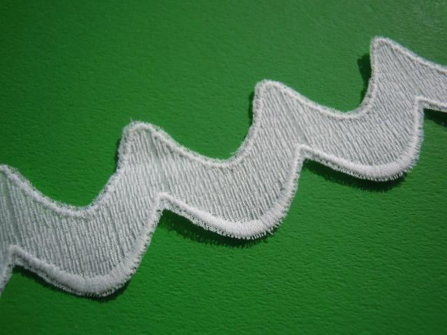 画像1: ちょっと変わったオフシロの綿レース 4M