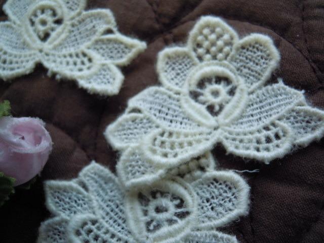 画像2: キナリ色のケミカル花柄モチーフ 3枚入り