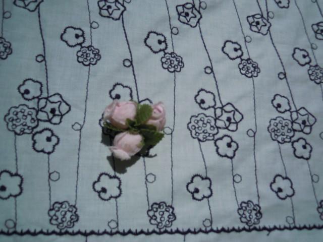 画像1: レース工房☆太陽のオリジナル商品!!! メルヘンチックな花柄 綿のレース 淡い々ブルーXクロ 1.5M