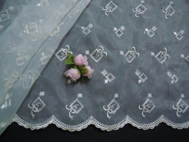 画像2: 超!お買い得! と〜ってもエレガントな花柄のオーガンジレース 1.5M