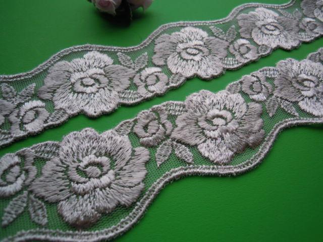 画像1: 幅約4.5c モカベージュのエレガントな花柄のチュールレース 6M