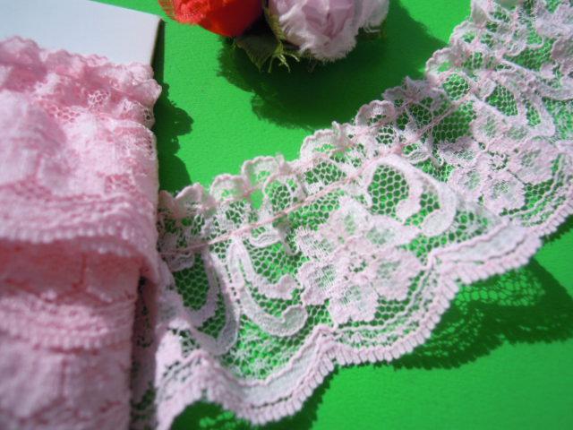 画像1: 人気の花柄のラッセルフリル原反売り ピンク