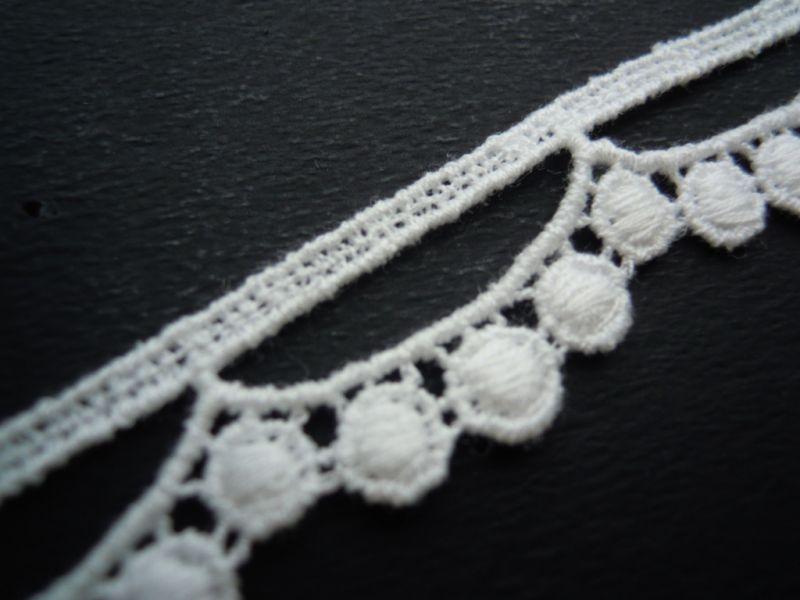 画像1: 人気のオフシロの綿ケミカルレース たっぷり13M