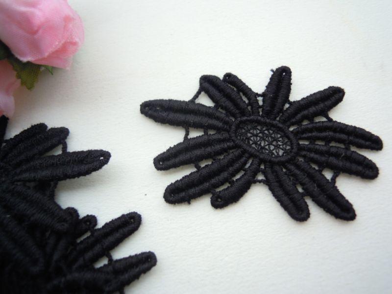 画像2: エレガントなクロの花柄の綿ケミカルチーフレース 12枚入り