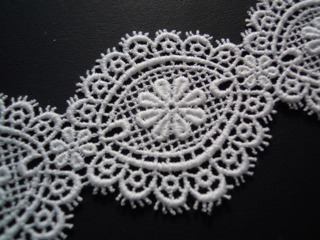 画像1: メッチャ、エレガントな綿ケミカルのアクセサリーレース 約20センチ