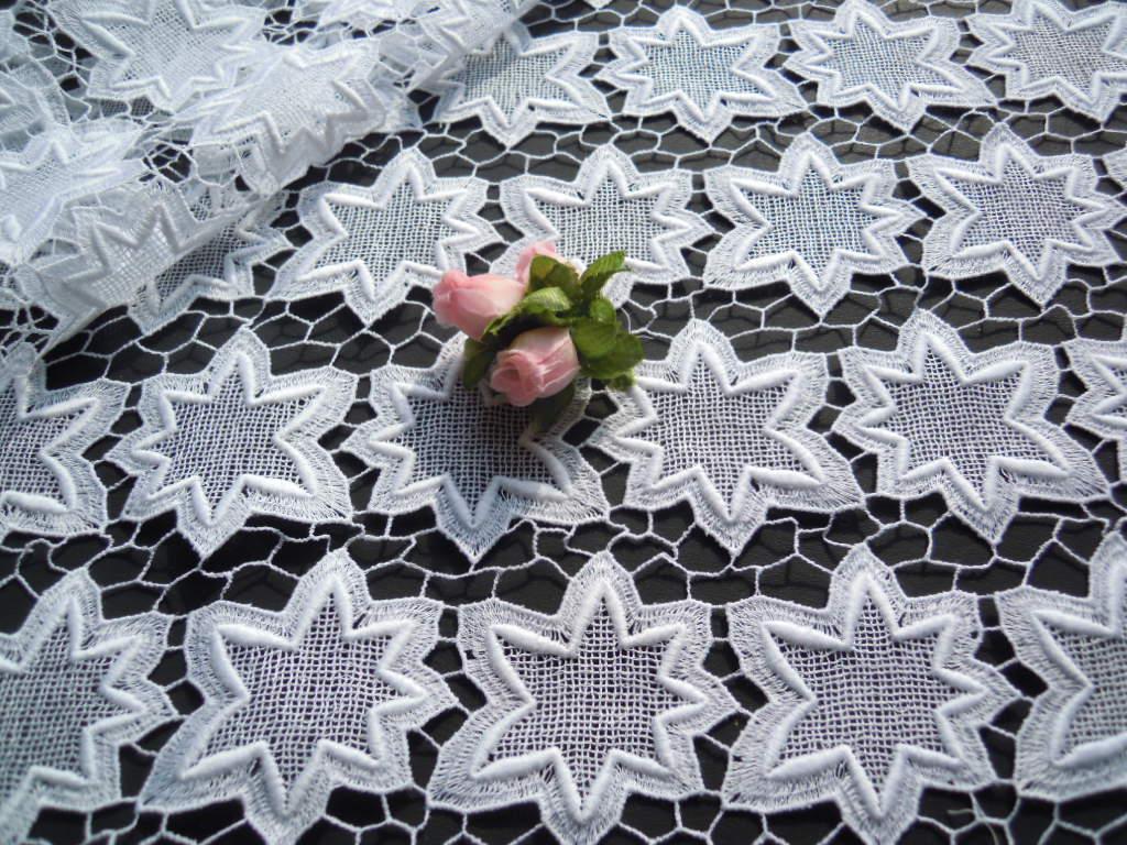 画像1: シロの可愛いモミジ柄?の中幅高級コットン・ケミカルレース 1.5M