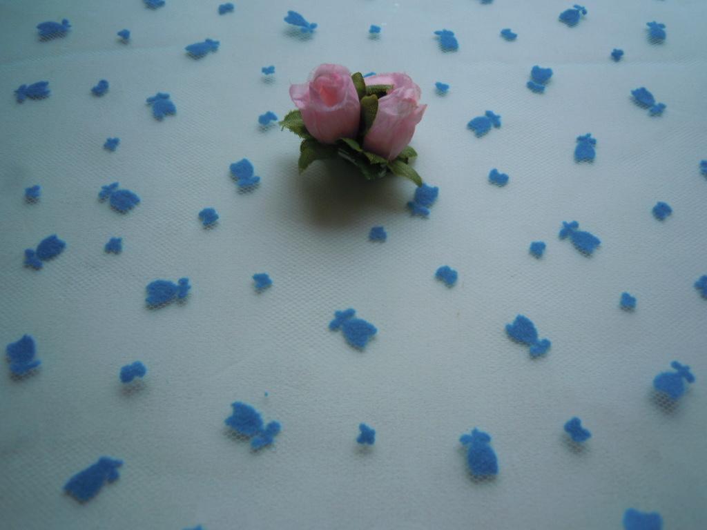 画像2: 在庫処分!数量限定!人気のブルーの可愛い花柄のフロッキーのソフトチュール 1M