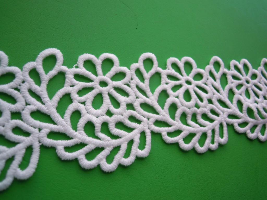 画像3: と〜っても人気の花とリーフ柄 オフシロのコットン・アップリケケミカルレース 4.5M