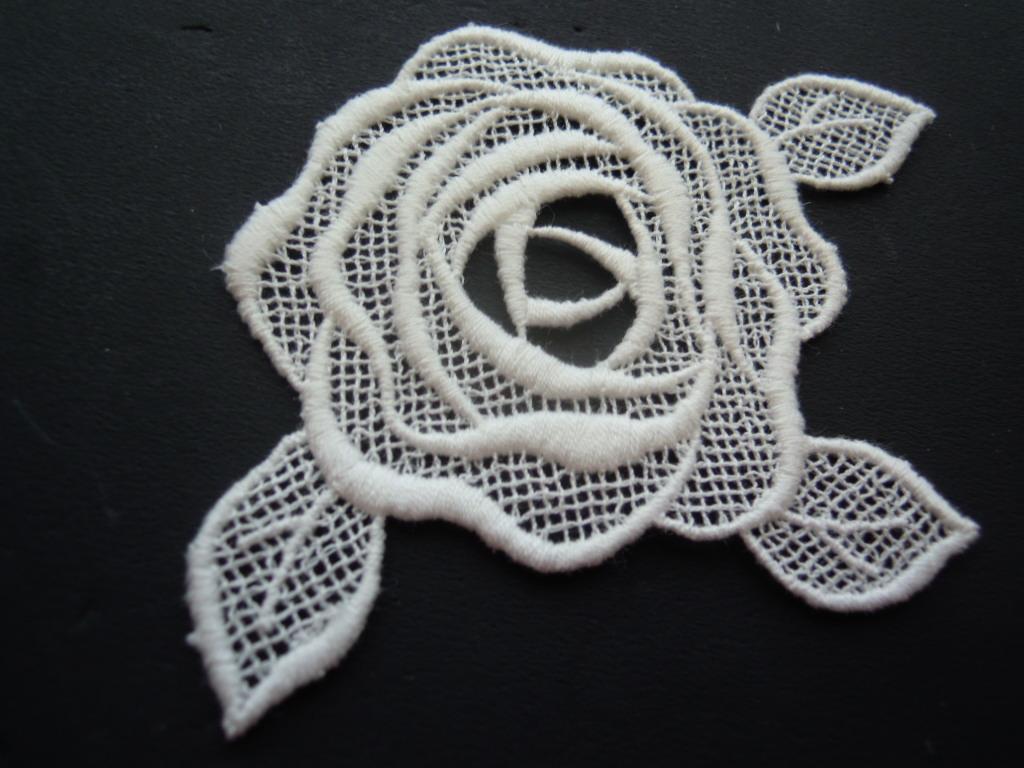 画像3: エレガントな薔薇柄 オフシロのコットンケミカルのアップリケレース 2枚入り