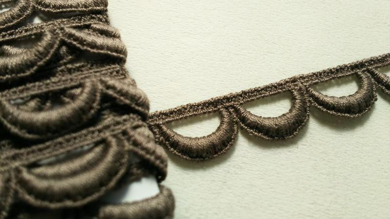 画像1: メッチャお買い得!繊細なコットン チャ色のケミカルレース 3M