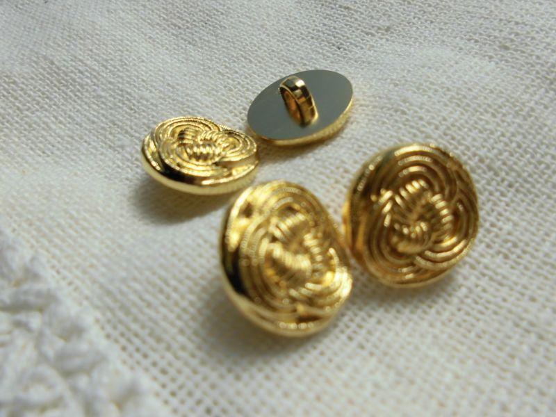 画像1: 約15mm ちょっとアンティーク調のエレガントなゴールドカラーボタン 4個入り