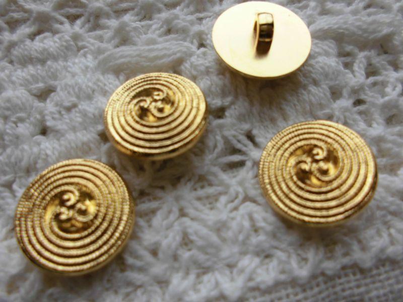 画像1: 約15mm 流行のボタンイヤリングに如何!?エレガントなゴールドカラーボタン 4個入り