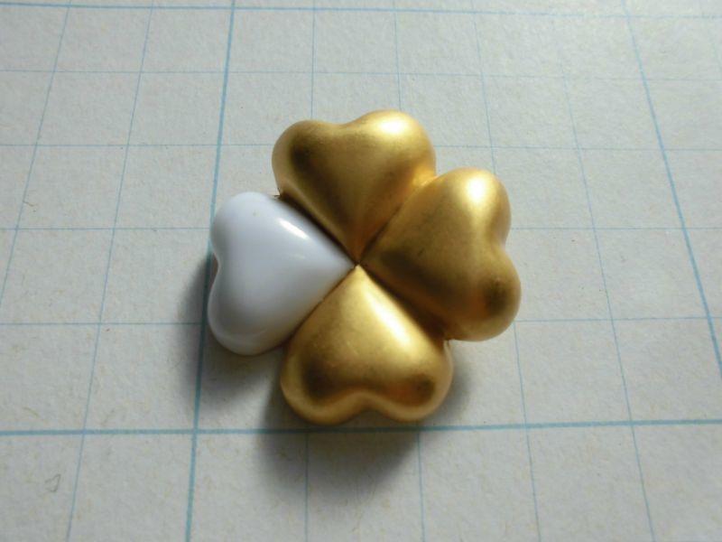 画像3: 約30mm 流行のボタンイヤリングに如何!?幸運を呼ぶ!?四葉のクローバーゴ・ールドカラーボタン 4個入り