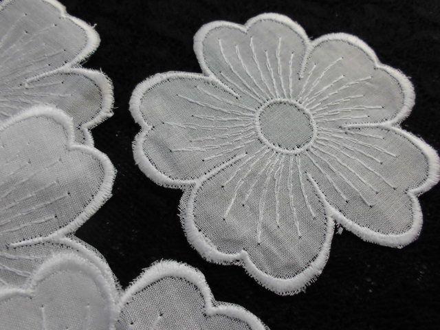 画像1: 人気の花柄の綿アップリケレース オフ 15枚入り