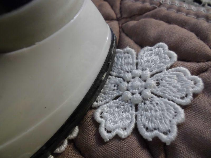 画像1: 手作りマスのアクセントに!アイロン接着! レース工房☆太陽のぴたっとレース 人気の花柄の綿モチーフレース 8枚
