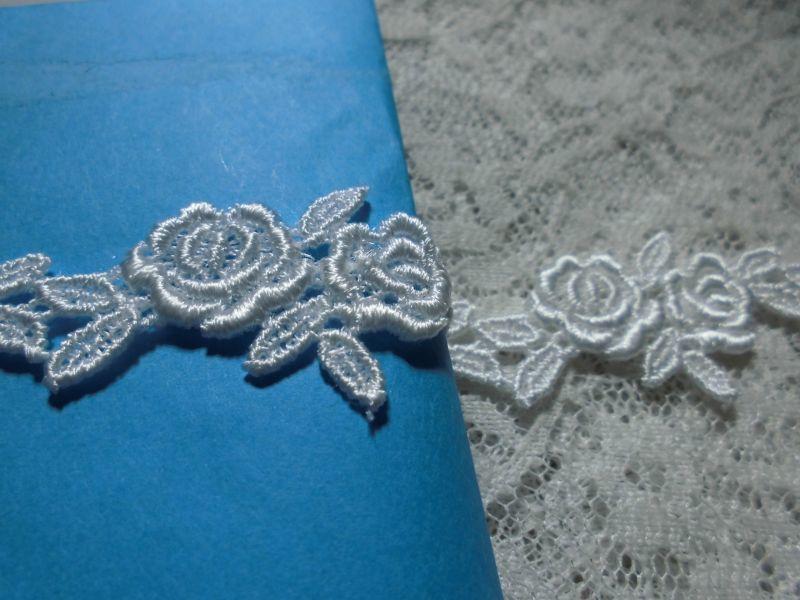 画像1: メッチャ、エレガントな薔薇柄 オフシロのケミカルのアクセサリーレース  小 0.8M