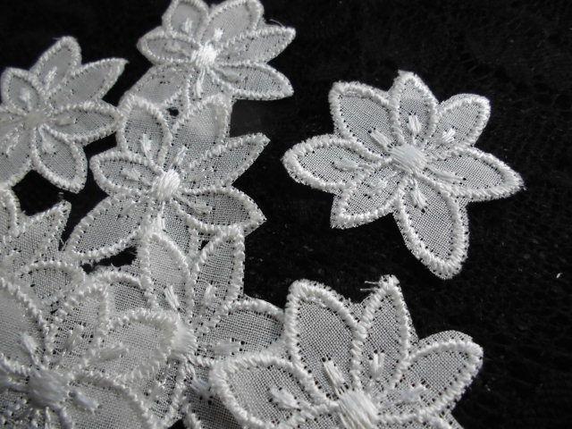 画像2: メッチャエレガントな人気の花柄のコットンアップリケレース 20枚