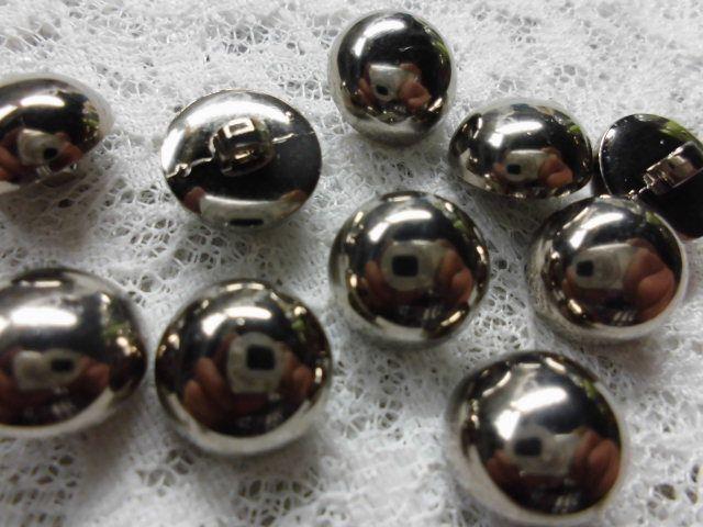 画像2: 約12mm 流行のボタンイヤリングに如何!?シルバーのカラーボタン 10個入り