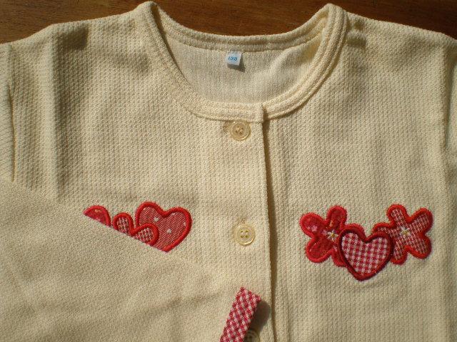 画像1: 綿の生成りのニットの子供服 サイズ130