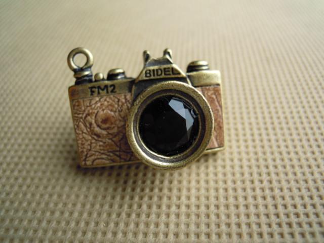 画像2: 人気のチャーム アンテイーク調なカメラ チャ 1個