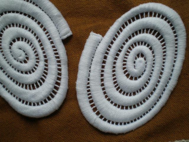 画像1: シロのちょっと変わったな綿ケミカルモチーフレース 3枚入り