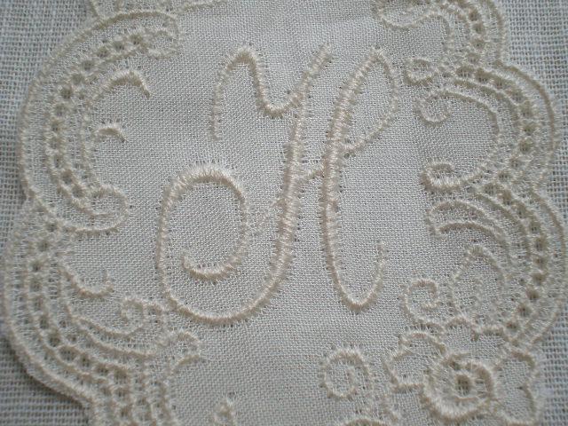 画像1: H レース工房太陽のオリジナル・キナリの繊細な綿のイニシャルモチーフ