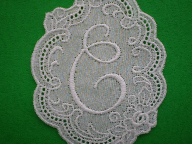 画像1: C 繊細な綿のイニシャルモチーフ