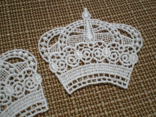 画像1: 人気のテイアラ柄の繊細な綿モチーフレース 2枚