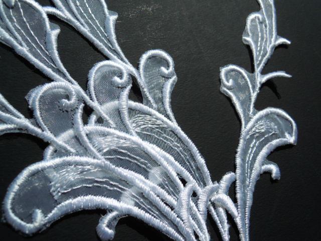 画像2: 人気のリーフ柄 シロのオーガンジのブライダルモチーフレース 3組6枚