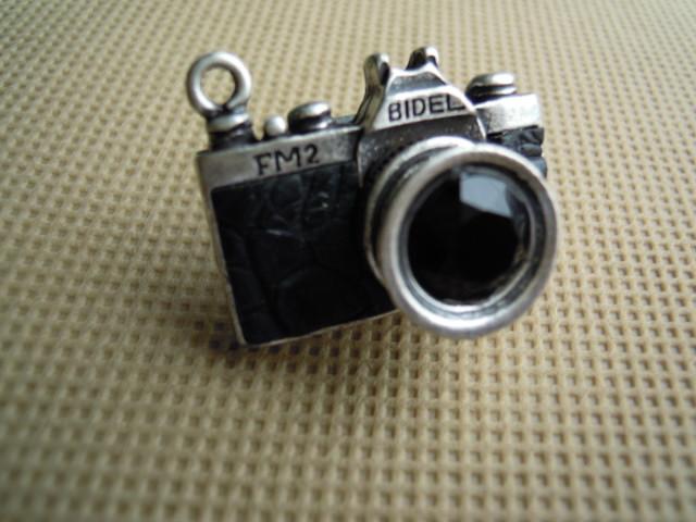 画像1: 人気のチャーム アンテイーク調なカメラ クロ 1個