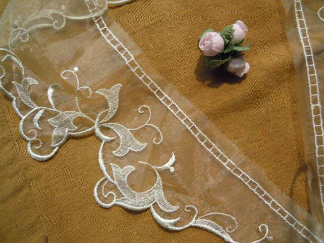 画像2: テーラー衿 キナリ色のエレガントなオーガンジの襟レース